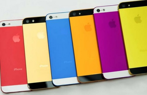 Immagini leaked iPhone Color ed iPhone 5 a confronto